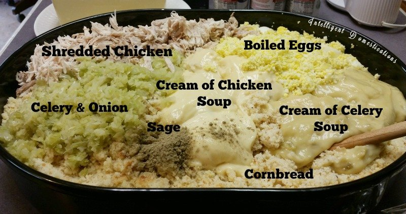 How to make Cornbread Dressing from scratch southern style. Southern Cornbread Dressing recipes. #Thanksgivingfood