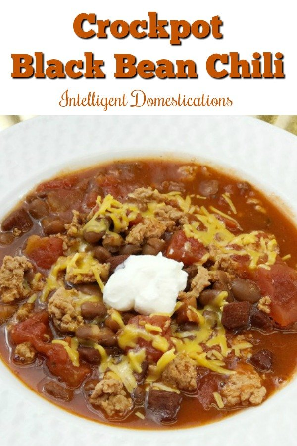 Crockpot Black Bean Chili recipe. Making Chili in the Crockpot is easy and convenient for weeknight meals especially in the winter months. Crockpotrecipe #Chilirecipe