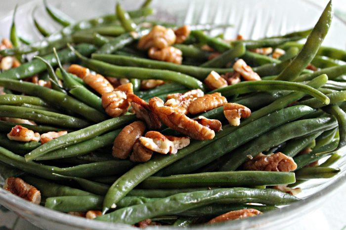 Pecan glazed green beans