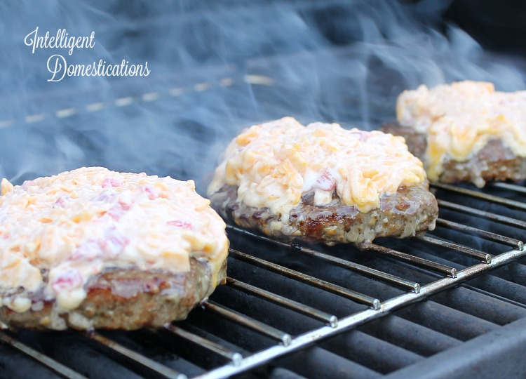 Pimento Cheese Burgers low carb dinner. #lowcarb