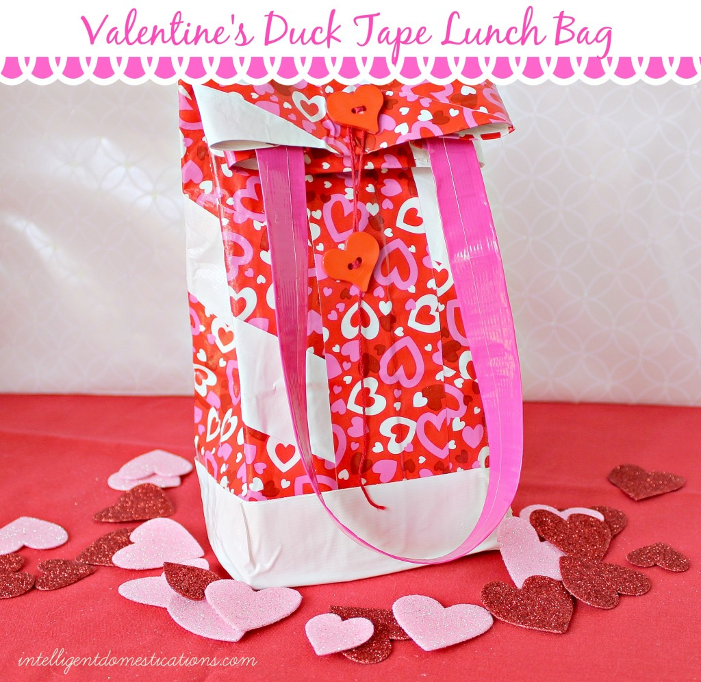 Valentine's Day Lunch Bag made with Duck Tape. Easy tutorial to make this cute Reusable Lunch bag with a Valentine's Theme. #diy #ducktapecraft