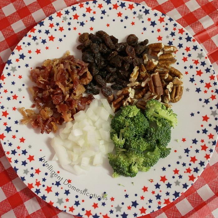 Broccoli Bacon Salad recipe. How to make Broccoli Salad. Broccoli Bacon and Raisin Salad. Summer Salad with Broccoli. Broccoli Salad Ingredients #broccolisalad #summersalad #BroccoliBaconSalad #broccolisaladingredients