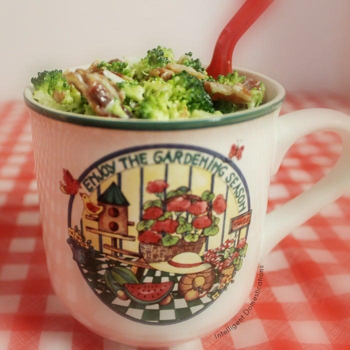 Broccoli Bacon Salad recipe. How to make Broccoli Salad. Broccoli Bacon and Raisin Salad. Summer Salad with Broccoli. Broccoli Bacon Salad served in a summer mug. #broccolisalad #summersalad #BroccoliBaconSalad