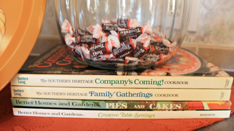 Fall home tour 2015.Kitchen decor Cookbooks.intelligentdomestications.com