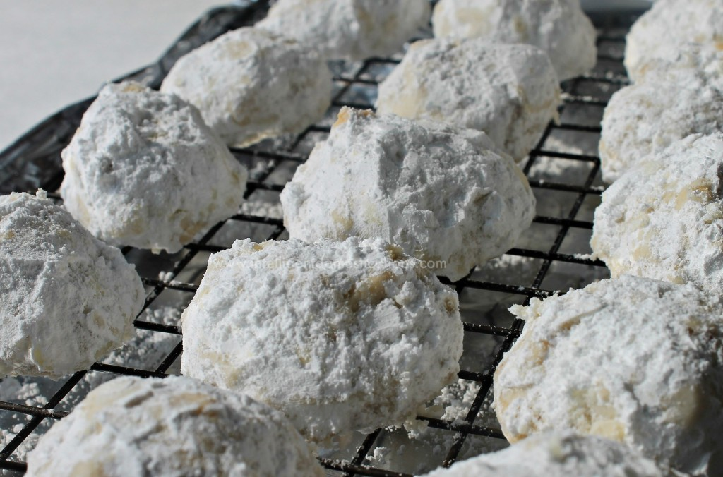 Pecan Sandies Snowball Cookies 1 at www.intelligentdomestications.com