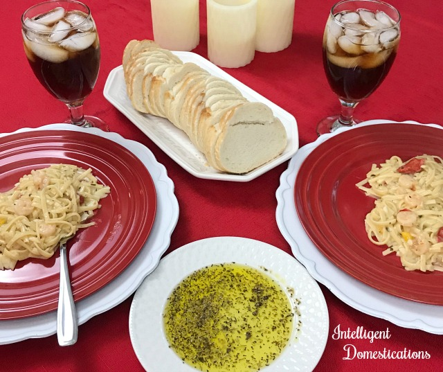 Easy Italian Butter recipe. Just like Carrabba's. Make your own Italian Olive Oil dip for bread using a few Italian herbs and spices. #italianbutter #copycatrecipe #Italiandinner