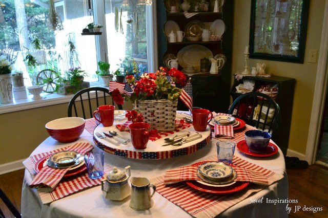 10 Patriotic Table Decor Ideas. Patriotic Tablescape Ideas. How to set a Red, White and Blue Table. July 4th Tablescape Ideas. 4th of July Tablescape Ideas. #Patriotictable #redwhiteandbledecor #patrioticdecor fourth of july tablescape.