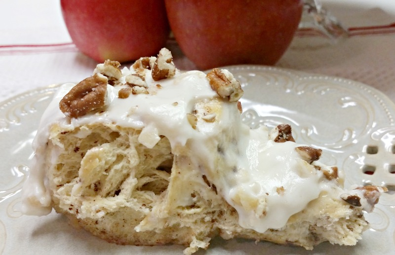 a-big-yummy-slice-of-apple-cinnamon-roll-coffee-cake-with-apple-cream-cheese-icing