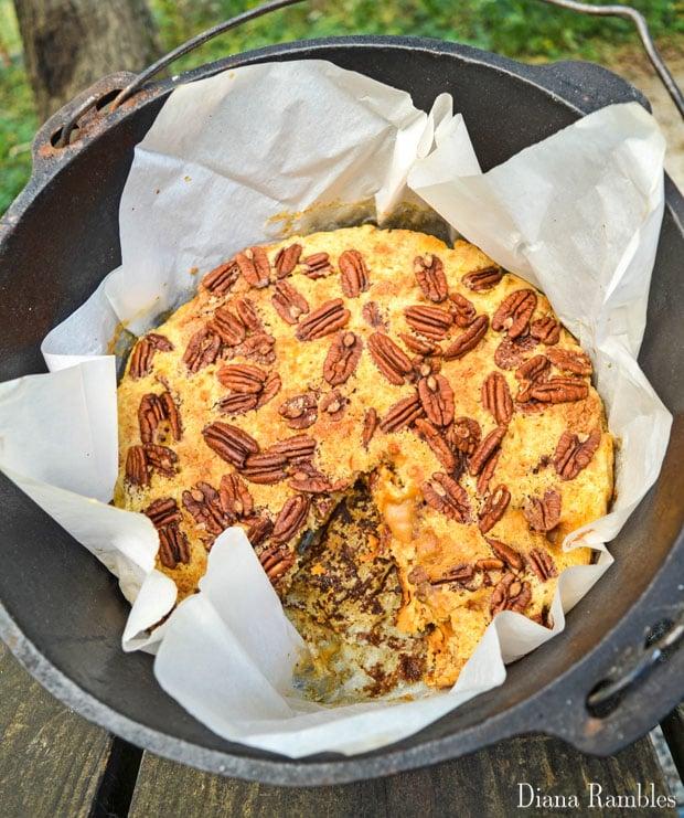 dutch-oven-pumpkin-pie-dump-cake