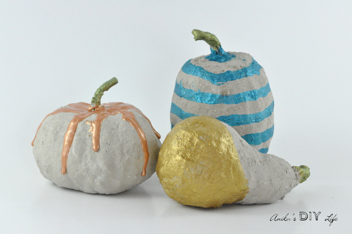 painted-diy-concrete-pumpkin-decorations-1