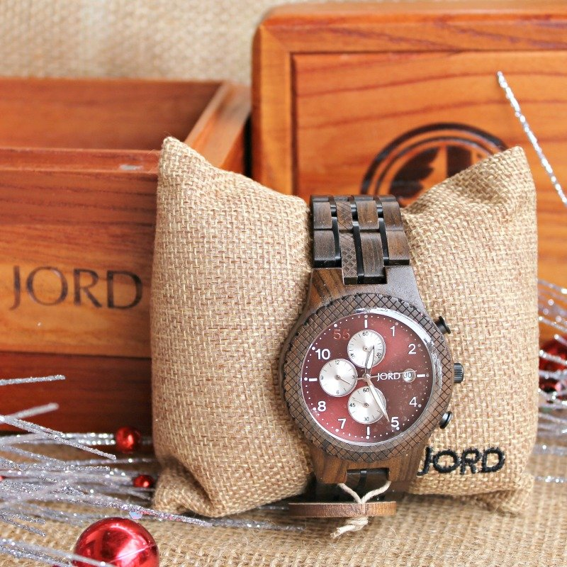 santa-will-bring-you-a-new-jord-wood-watch-if-you-ask-him-grab-out-discount-code-at-intelligentdomestications-com