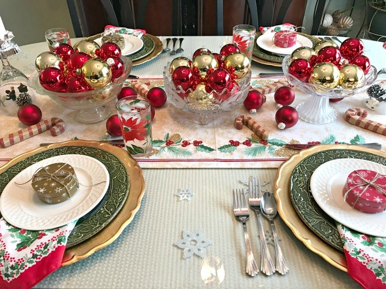 red-and-gold-christmas-dining-tablescape-at-intelligentdomestications-com