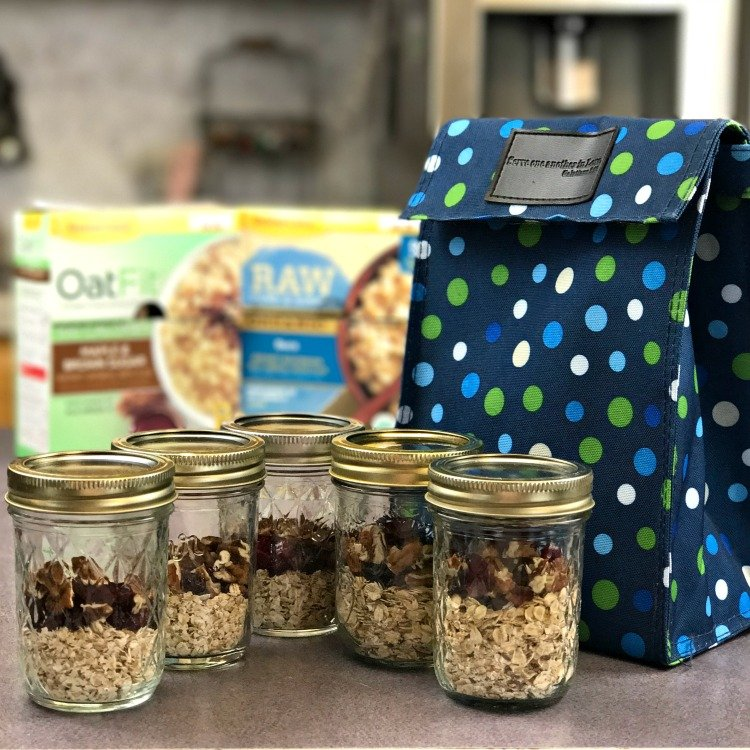 Brown Bag your breakfast with Mason Jar Oatmeal