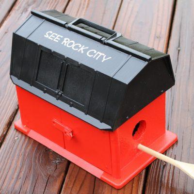DIY See Rock City Barn Birdhouse