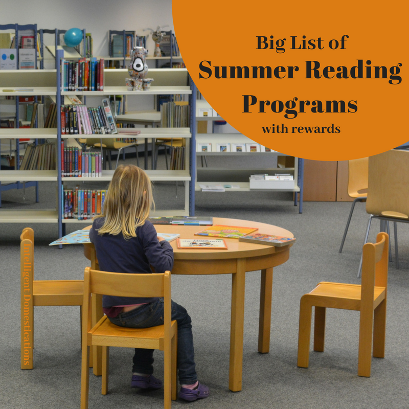 Avoid Brain Drain by enrolling your kids in Free Summer Reading Programs. Many offer rewards. Our Summer Reading Program lists is updated yearly and includes free reading programs, recommended books for all ages and websites for all ages with resources. #summerreading #summerreadingprograms #kidssummeractivities