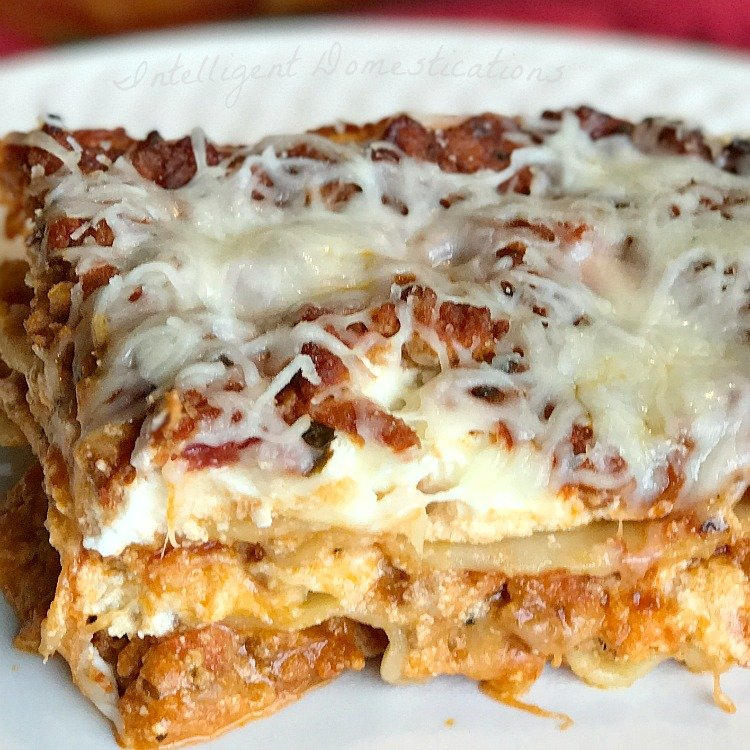 Easy recipe for Classic Lasagna. Easy Lasagna recipe. #lasagna
