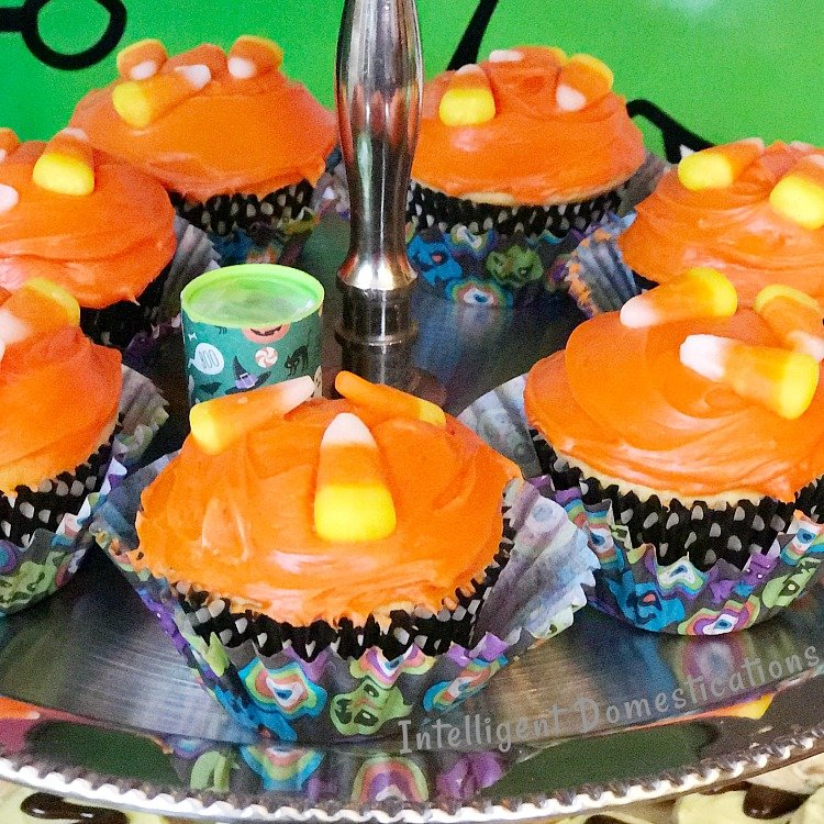How To Make Orange Iced Candy Corn Cupcakes for your Halloween party