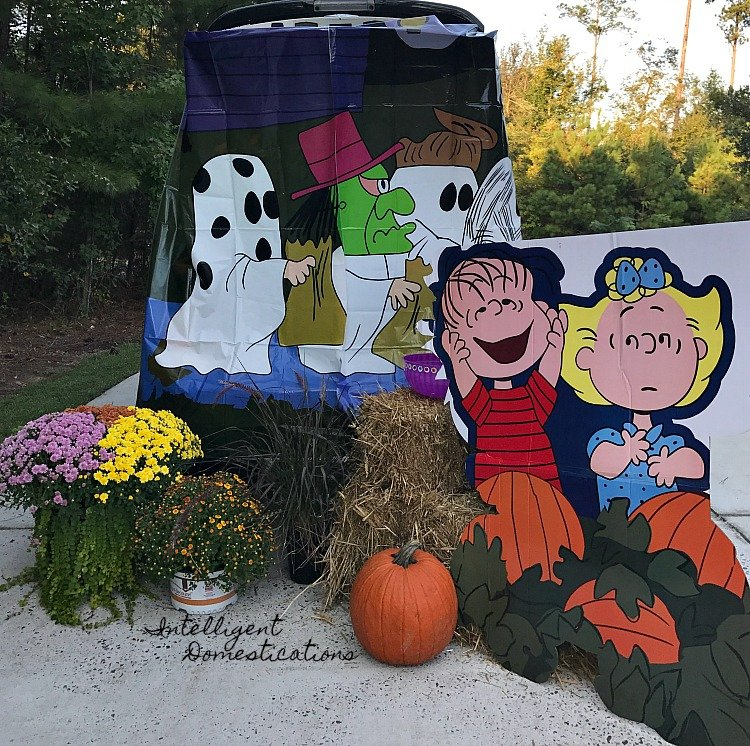 Easy Charlie Brown Trunk or Treat Design. Charlie Brown Great Pumpkin Trunk or Treat Design. Harvest Trunk or Treat.
