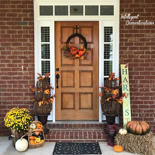 Fall Front Porch Tour. Fall front porch decor ideas. Fall porch decor.