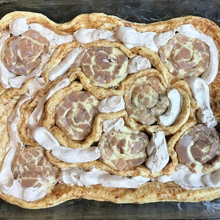 Pumpkin Spice Cream Cheese Sweet Rolls with All Centers! Pumpkin spice cinnamon rolls. How to make sweet rolls with all centers.Not from scratch