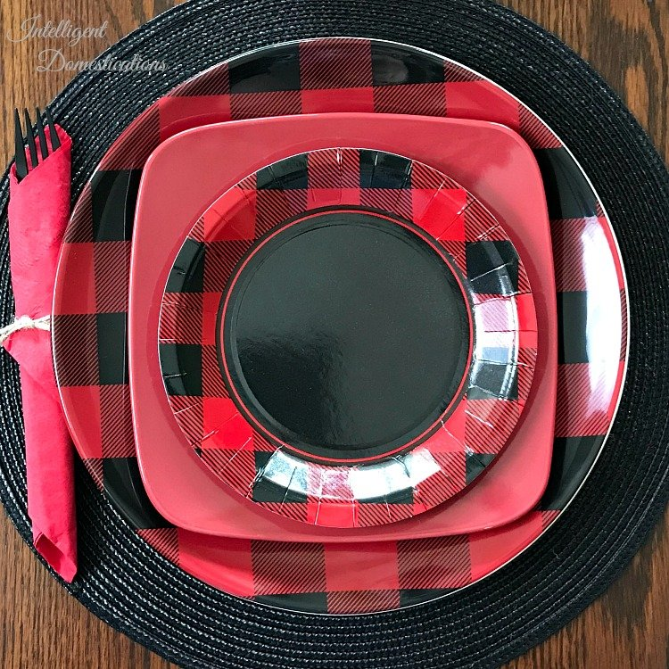 Buffalo Plaid Christmas Table setting. Buffalo plaid tablescape for Christmas