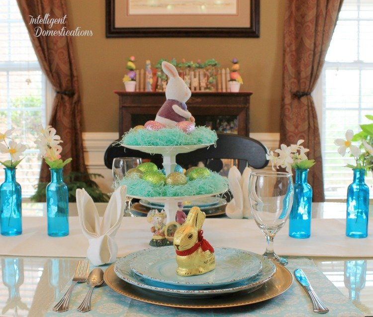 Simple Easter Table Decor