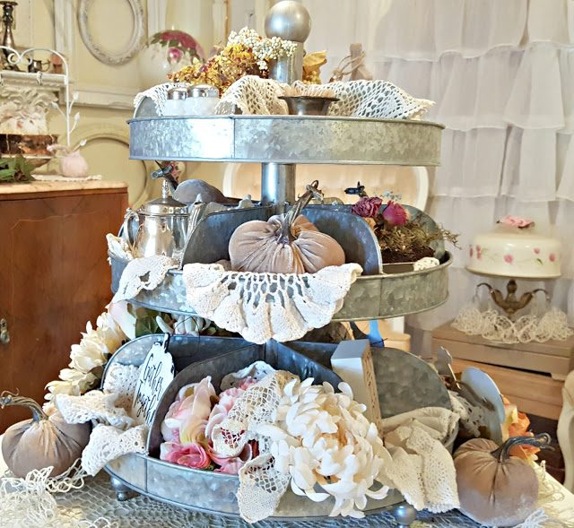 How to style a three tier tray for fall