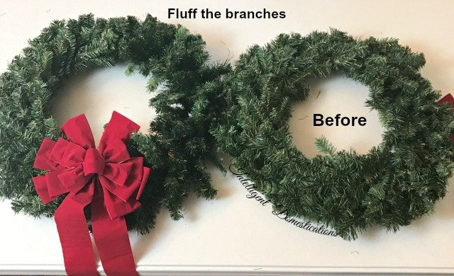 Easy way to hang wreaths on outside windows for Christmas. Outdoor Christmas decor ideas. #wreathhanging #Christmas