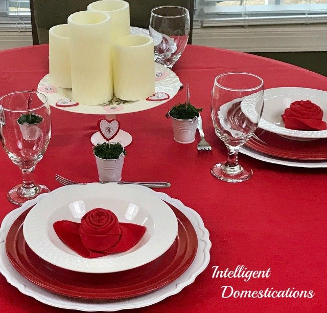 Valentine's Dinner Table Decor