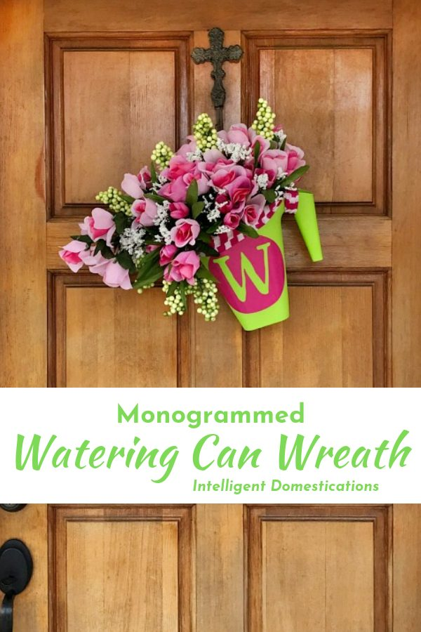 DIY Watering Can Wreath. Front door wreath.