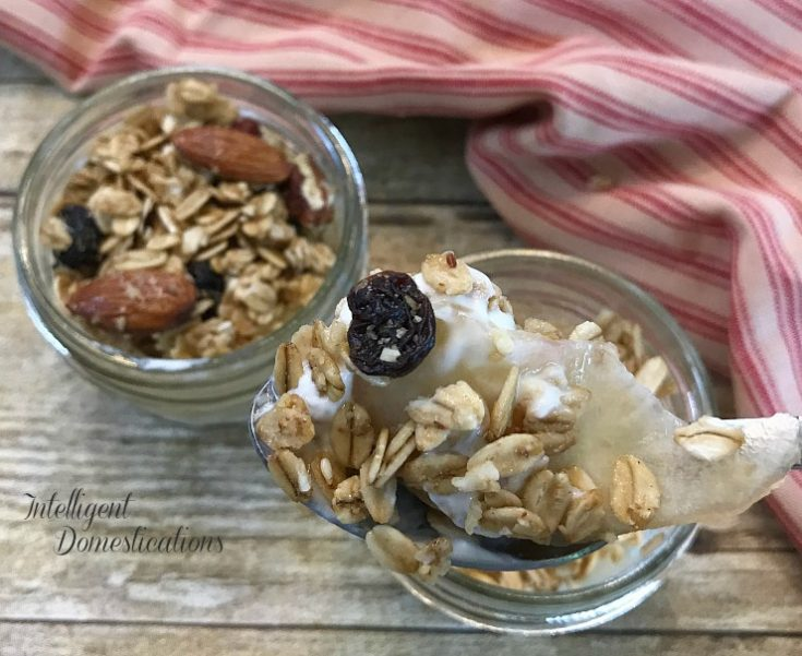 How to make Mini Peach Parfaits using fresh peaches. How to peel, cut, slice and soak peaches to make them tender and juicy for making these delicious Peach Parfaits. Great for Breakfast, snacks, brunch or entertaining. #parfait #peachrecipe