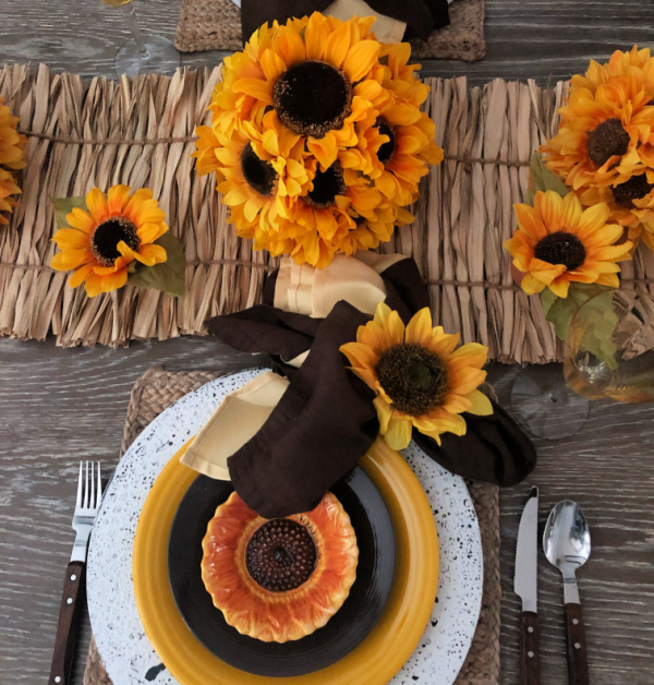 How to Style a Table for Late Summer