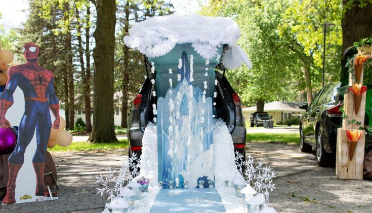Frozen Inspired Trunk or Treat from Fun365 at Oriental Trading