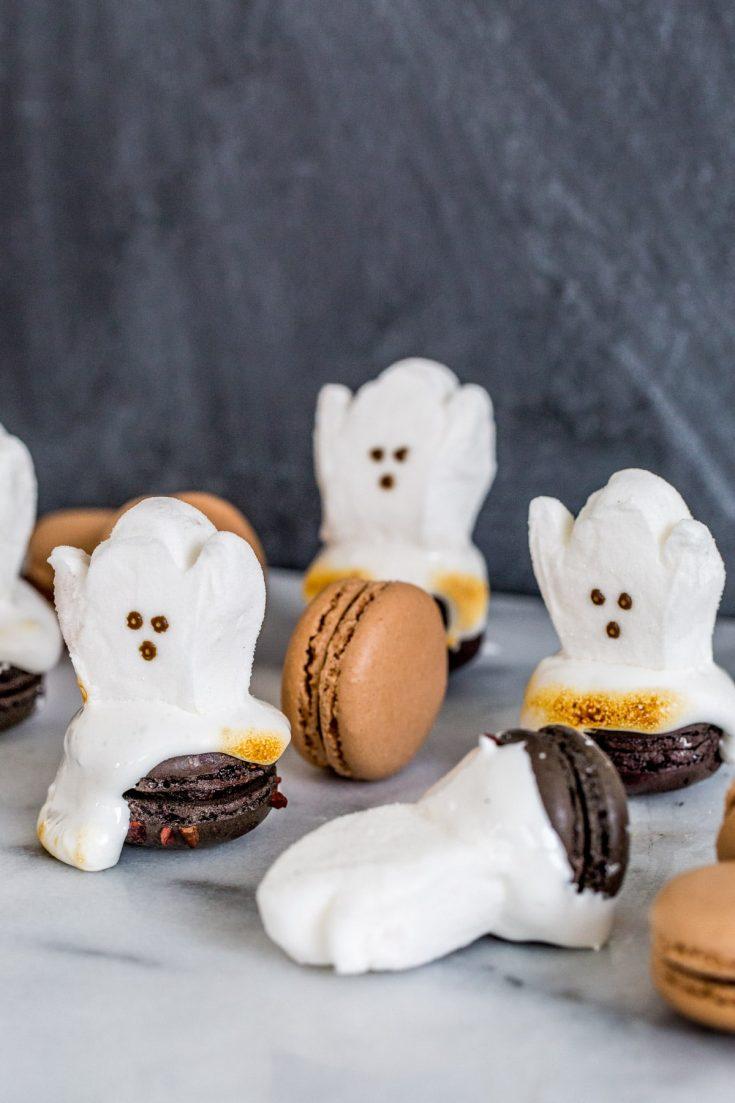 Easy Halloween Dessert: DIY Ghost Macarons