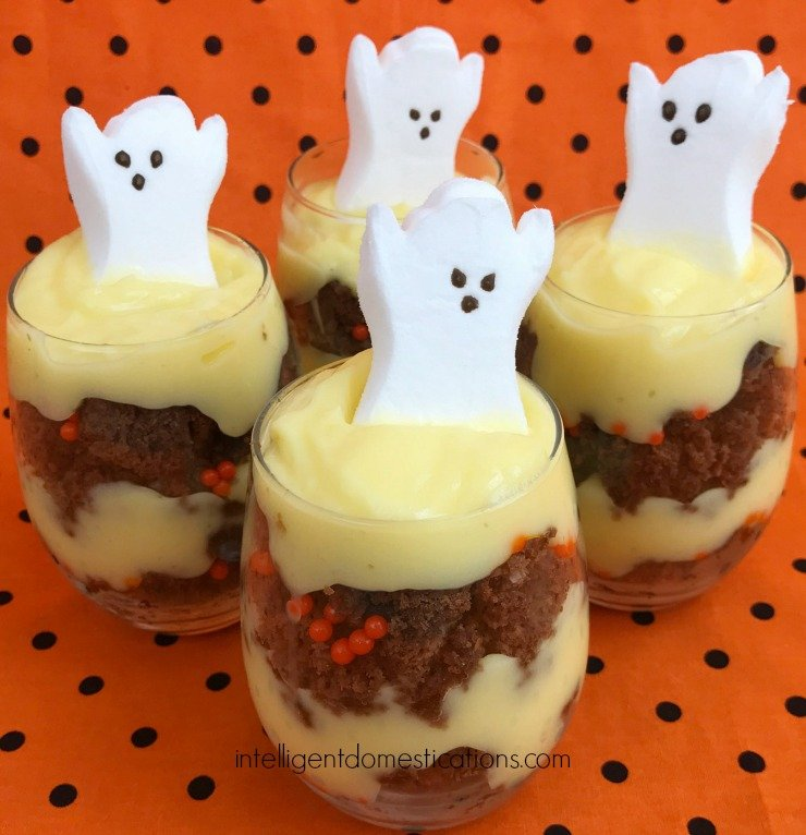 Halloween Brownie Parfaits #HalloweenTreatsWeek