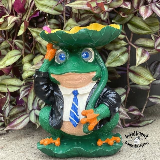Painted Frog Statue Makeover After pictures